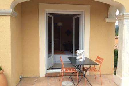 Les oliviers chambre vue sur la Sainte Baume - Auriol - Huis