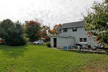 Rustic Entire House near Crystal Beach and Niagara - Fort Erie