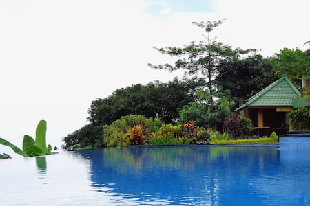Le Tito Green Ocean View - Sukasada - Bed & Breakfast