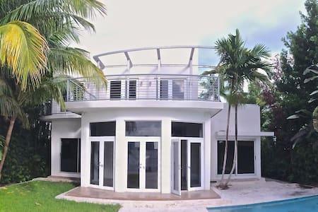 Villa Lausanne - Miami Beach - Villa