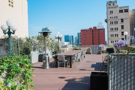 Historic Gaslamp Loft w/ Roof Deck! - Appartement