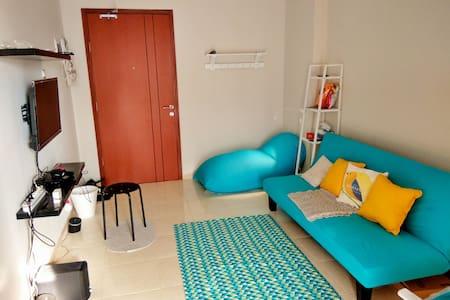 """Staycation"" studio with big swimming pools! - Ciputat, Tangerang Selatan"