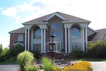 Luxury home in Rockford - Rockford - Huis
