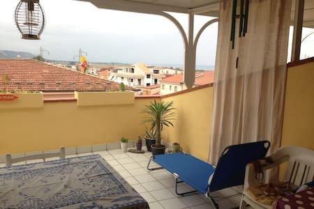 appart Campora San Giovanni - grande terrasse- mer - Flat