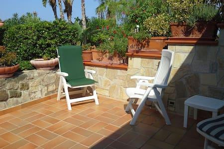 Villetta sul mare in residence con piscina - Mazzaforno - Rumah bandar