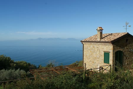 CILENTO PANORAMIC COUNTRYHOUSE ON THE SEA - House