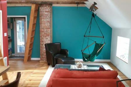 Double loft character house. - Vancouver - House