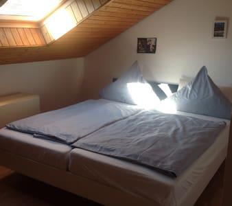 Willkommen Benvenuto in Remshalden - Apartamento