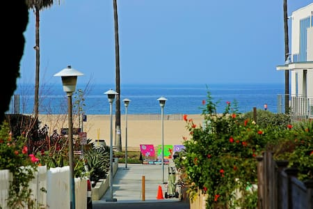 50 Yards to Beach! - Los Angeles - House
