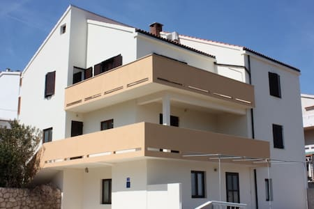 Apartment Lora - Pag - House