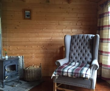 Ecocabin Glamping in beautiful Perthshire hills - Inny