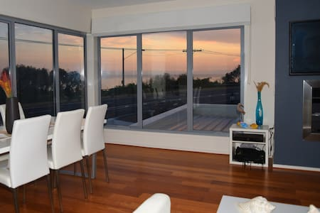 Seaside Modern House room 2 - Beaumaris - Haus
