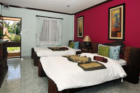 Ben's guesthouse (right on main road) - room 202 - Ko Samui
