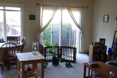 Room type: Entire home/apt Bed type: Real Bed Property type: Apartment Accommodates: 1 Bedrooms: 1 Bathrooms: 1