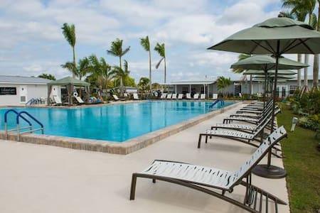 55+ Resort Style Community Colony Cove South - Ellenton - House
