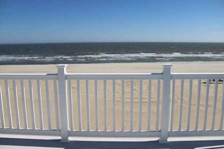 Ocean Front, 90th St, 5 bdrm 3.5 bath - Talo