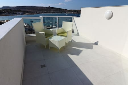Penthouse NEW 2 bedroom Seaview 50 mts  from beach - Il-Mellieħa - Apartament