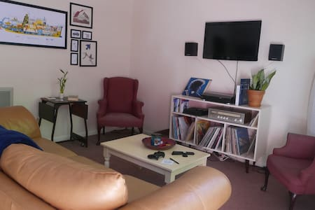 Cozy house just off the square! - Oxford - Wohnung