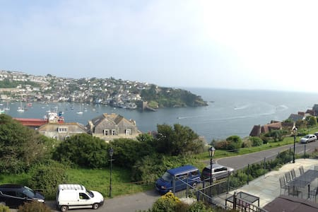 Prime location, stunning views, Relax and unwind. - Fowey - House