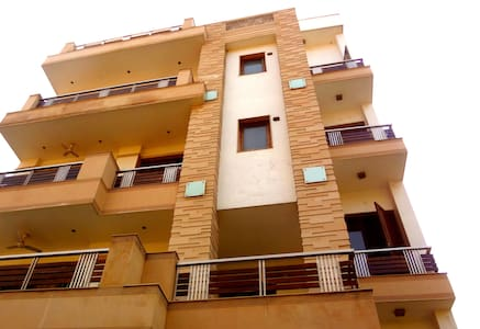 Chopras Apartment@4Bed Rooms