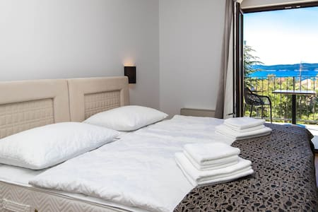 Amarie 104 - air conditioned room with seaview - Selce