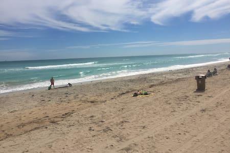 coolest beach marco polo 327 - Sunny Isles Beach - Apartment
