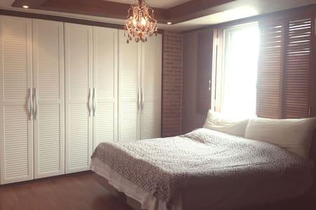 갤러리 하우스 개인실 또는 전체 - 청주시 - House