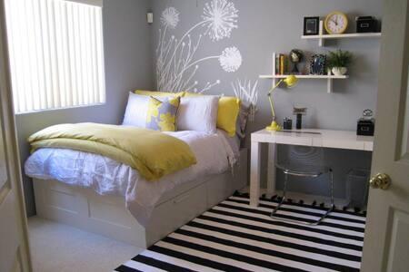Cozy 1 bedroom - Apartment