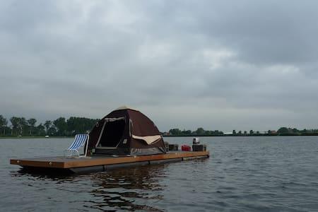 Eurovlot , vlot met tent ,  op het water - Autre