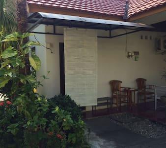 palm hijau syariah guest house - House