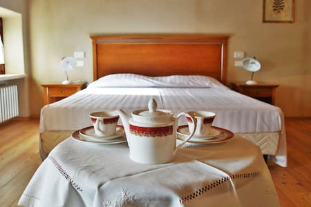 Agriturismo Borgo Valfedda - Bed & Breakfast