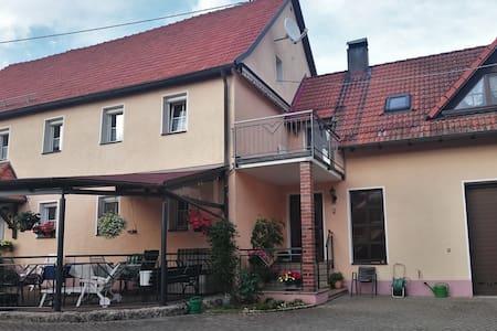 Ferienwohnung im Herzen der Fränkischen Schweiz - Wohnung