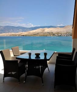 "Penthouse with sea view ""Bouvier Green"" - Pag - Huoneisto"
