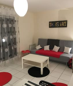 GRAND STUDIO MEUBLE TERRASSE - Cergy