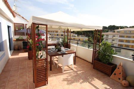 Penthouse, groot terras, zwembad, Moraira-centrum - Moraira