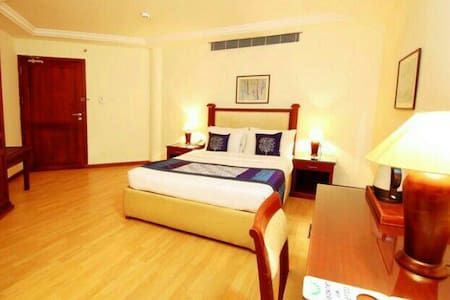 Our rooms are cosy and comfortable and cleanliness is a guarantee from our side. It's very easily accessible from all the main areas in Cochin. Two people can easily share this room. We would love to host and provide an amazing stay in our Cochin.