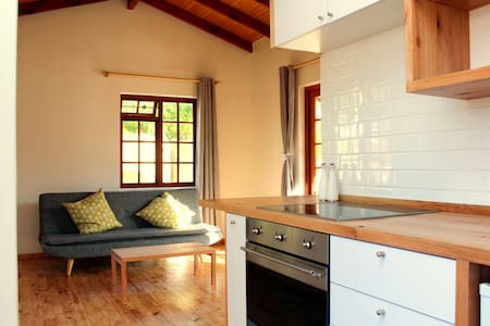 Self-catering Apartment at an Urban Veggie Farm - Kaapstad - Appartement