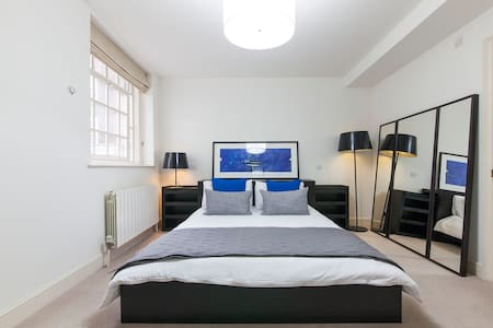 Central West End Large Double Room - Pis