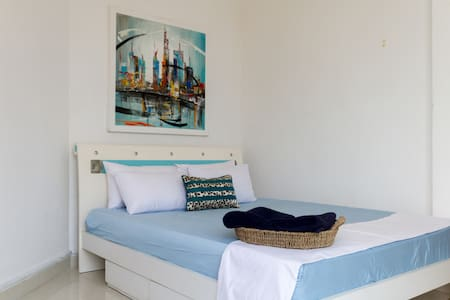 Surf Side - Colombo - Apartment