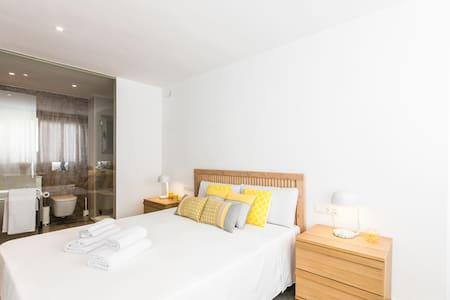 Room with bathroom-Ibiza Town (2B) - Wohnung