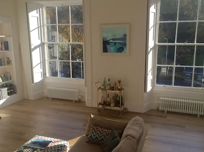 Large sunny central apartment