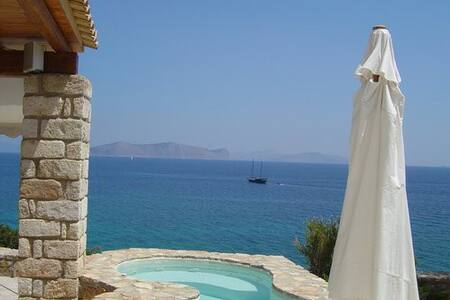 Hellenic luxury villa - House