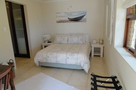 Seaview studio & deck,own entrance, - Cape Town - House