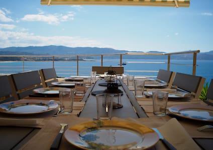 Villa Sagone avec vue mer exceptionnelle - Villa