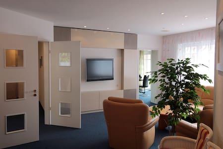 Große exklusive Wohnung in Memmingen - Leilighet