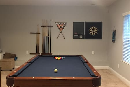 Basement - 1 Bedroom/Bath  w/ Pool Table & More - House