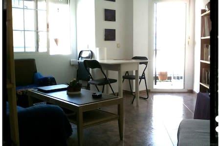 Single room in Benimaclet Neighborhood - Huoneisto