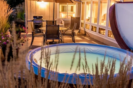 Romantic Guest House with Hot Tub - Bend - Huis