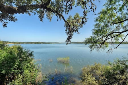 2BR/2BA Serene Hill Country Home on Lake Travis - Ház
