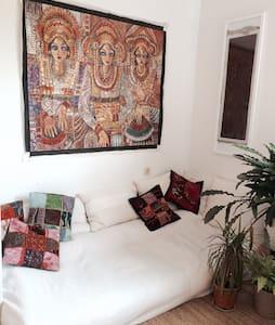 Sonnig, gemuetlich, zentral/ sunny, cosy, central - Monaco - Casa